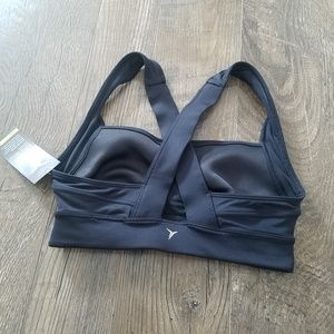 NWT Old Navy Active sports bra in size XS